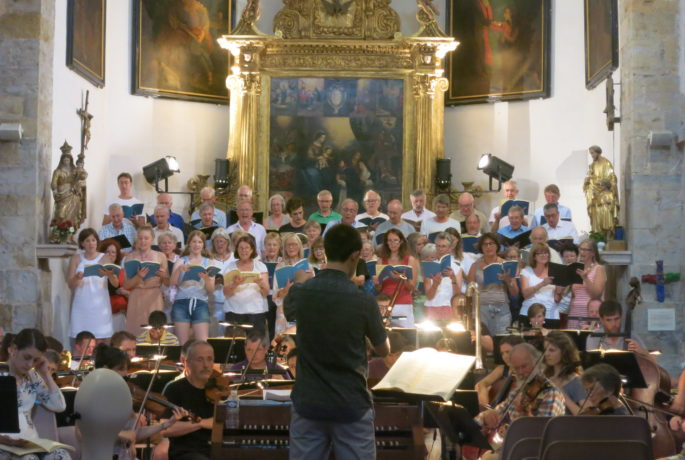 Choir rehearse the Creation, Montauroux
