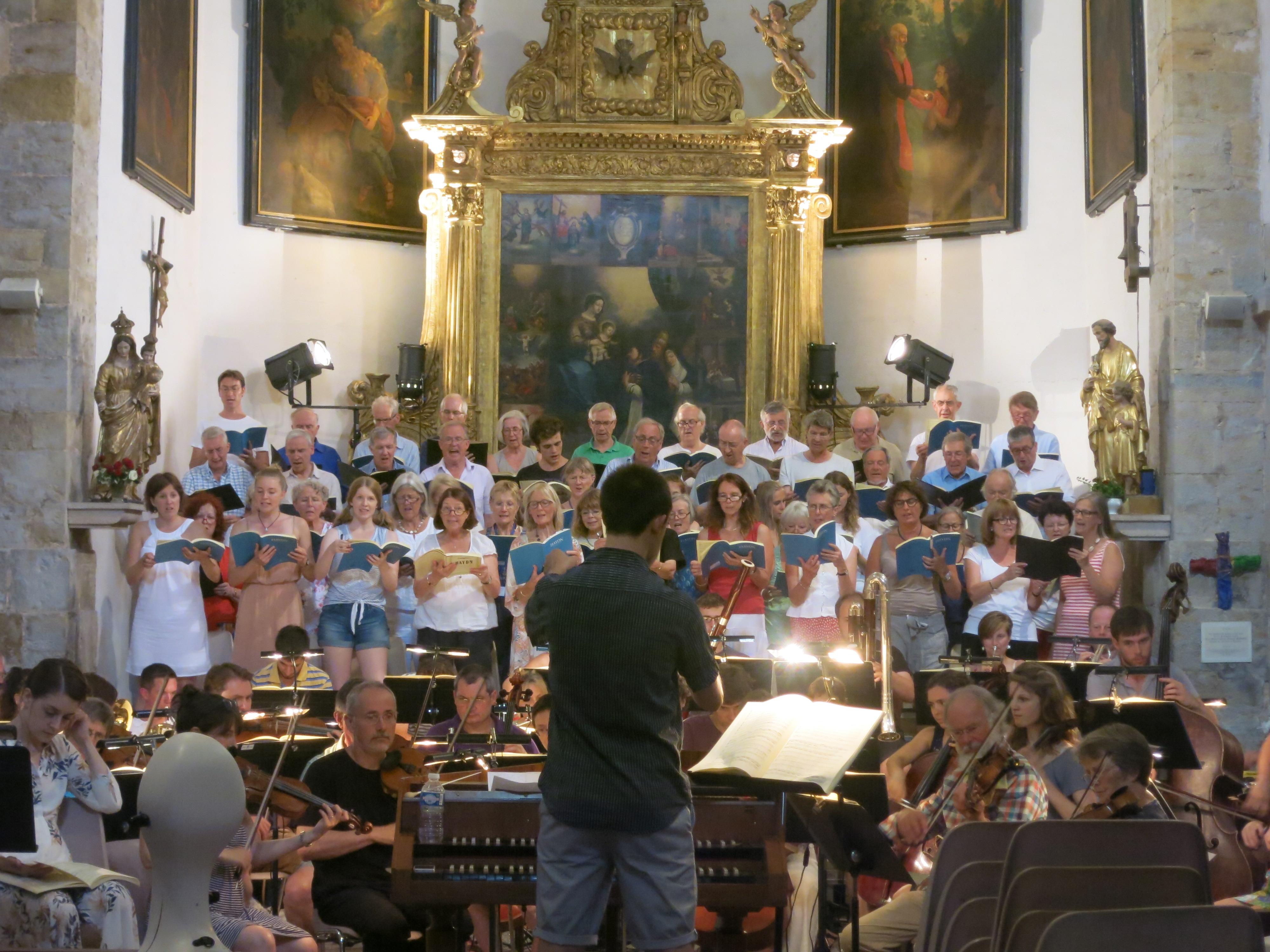 Choir rehearse the Creation, Montauroux